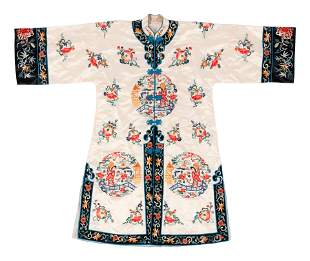 A Chinese Embroidered Silk Lady's Robe
