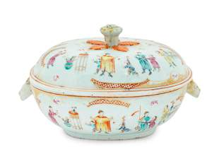 A Chinese Export Porcelain Tureen height 8 x length 14