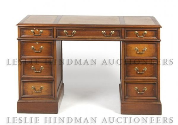 An American Pedestal Desk, Sligh Furniture, Height 30 1