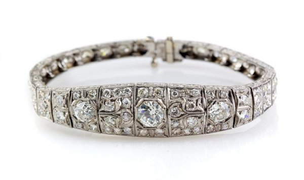 An Art Deco Platinum and Diamond Bracelet, 12.00 dwts.