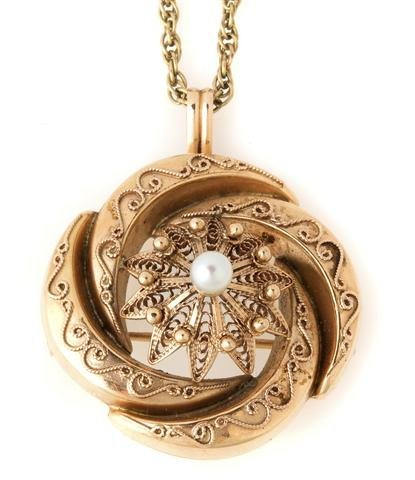 A Victorian 14 Karat Rose Gold and Pearl Brooch/Pendant