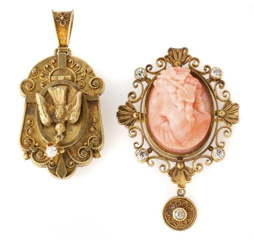 Two Victorian Yellow Gold Pendants, 9.20 dwts.