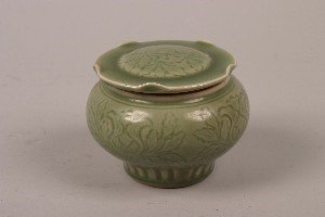 439: A Yuan Style Chinese Incised Celadon Glazed Jar an