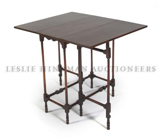 559: An English Spider-Leg Drop-Leaf Table, Height 28 i