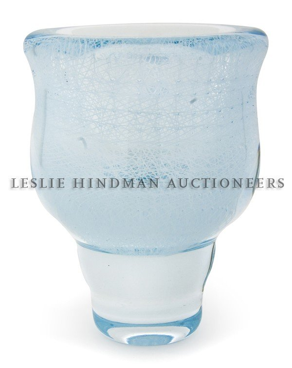1165: A Glass Vase, Gary Beecham, Height 8 1/2 inches.
