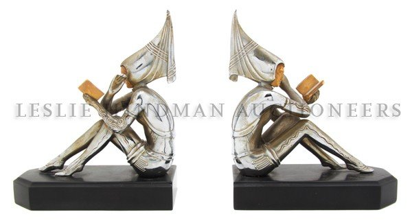1195: A Pair of Art Deco Bookends, Height of figures 6