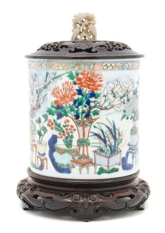 202: A Chinese Famille Verte Brush Pot, Height of pot 6