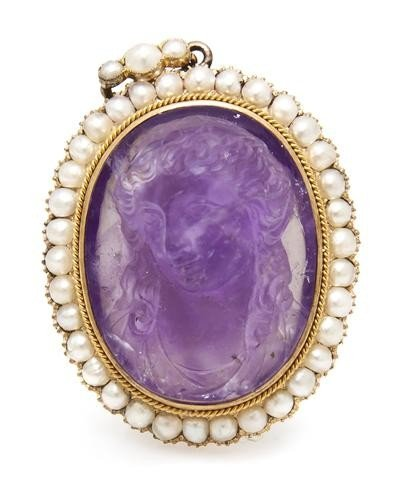 11: A Victorian Yellow Gold, Pearl and Carved Amethyst