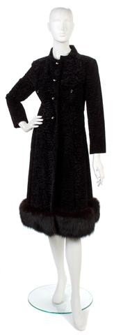 153: A Bill Blass Black Broadtail Velvet Jacket,