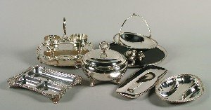 386: A Collection of Silver Plate Table Articles,