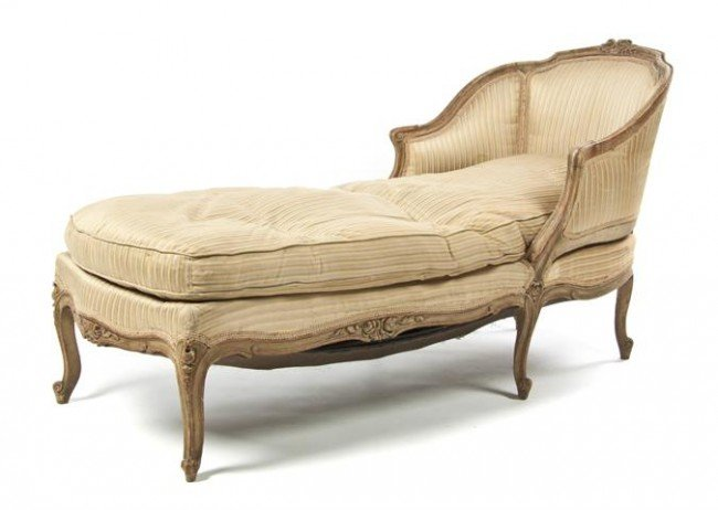 23: A Louis XV Style Chaise, Height 34 3/4 x length 52