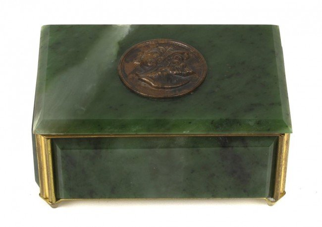 A Continental Spinach Jade Box,  Height 2 1/8 inches.