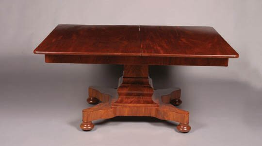 15: A William IV Mahogany Extension Dining Ta