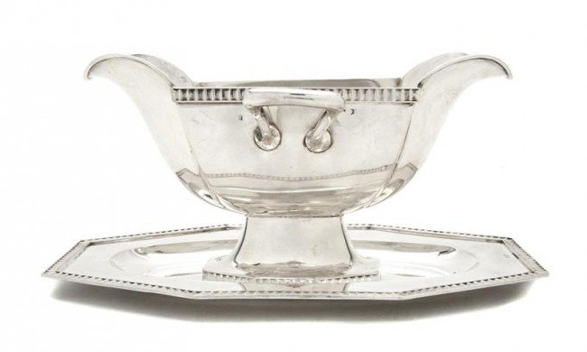 540: A Continental Silver Gravy on Stand, Length over h
