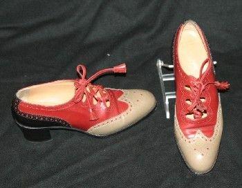343: Ladies Hermes Wingtip Shoes