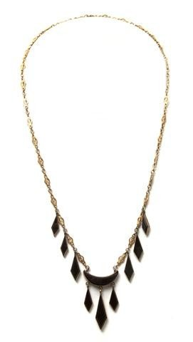 5: A 14 Karat Yellow Gold and Onyx Necklace, 6.25 dwts.