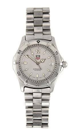 317A: A Stainless Steel Quartz Professional Wristwatch,