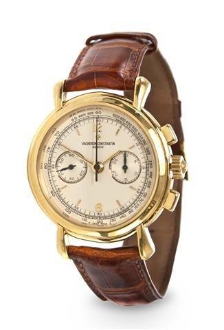 326: An 18 Karat Yellow Gold Historique Chronograph Wri