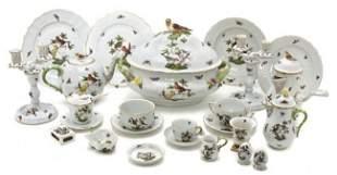 372: A Herend Porcelain Dinnerware Service for Twelve,