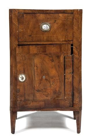 532: A Continental Burr Walnut Side Cabinet, Height 28
