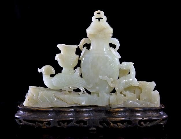 15: A Chinese Jade Scholar's Desk Object, Width 7 inche