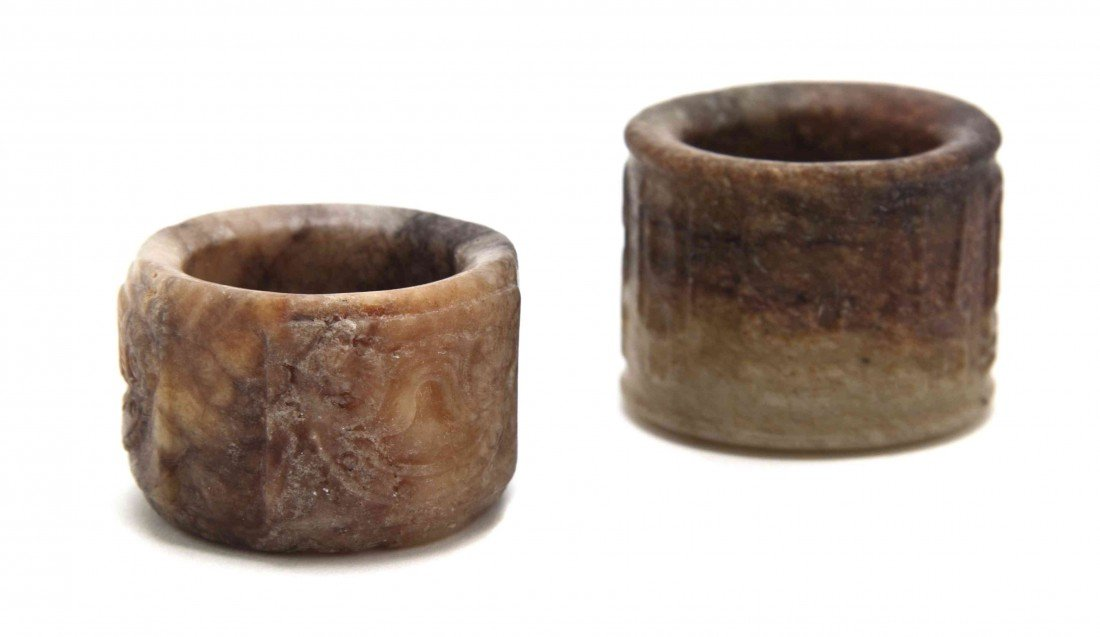 528: A Group of Two Jade Archers Rings, Height of talle