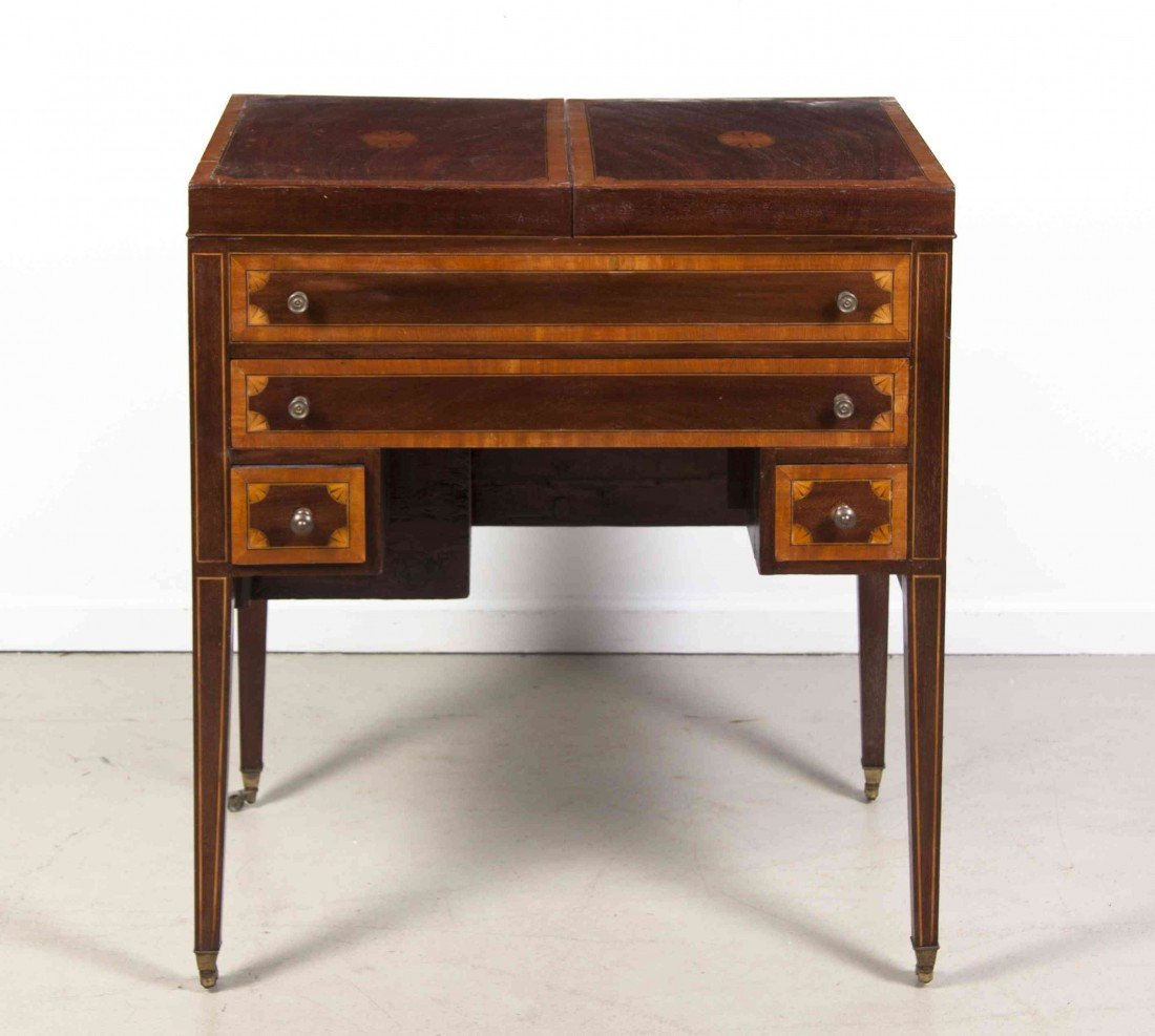 2010: A Georgian Style Mahogany Dressing Table, Height