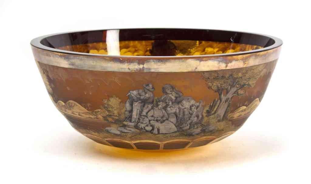 22: A Continental Amber Glass Bowl, Diameter 11 1/8 inc
