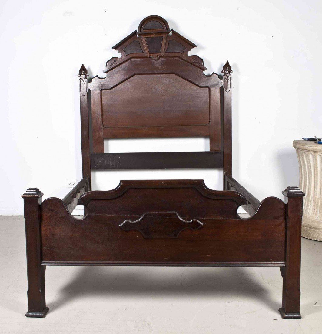 506: A Victorian Style Mahogany Bed, Height of headboar