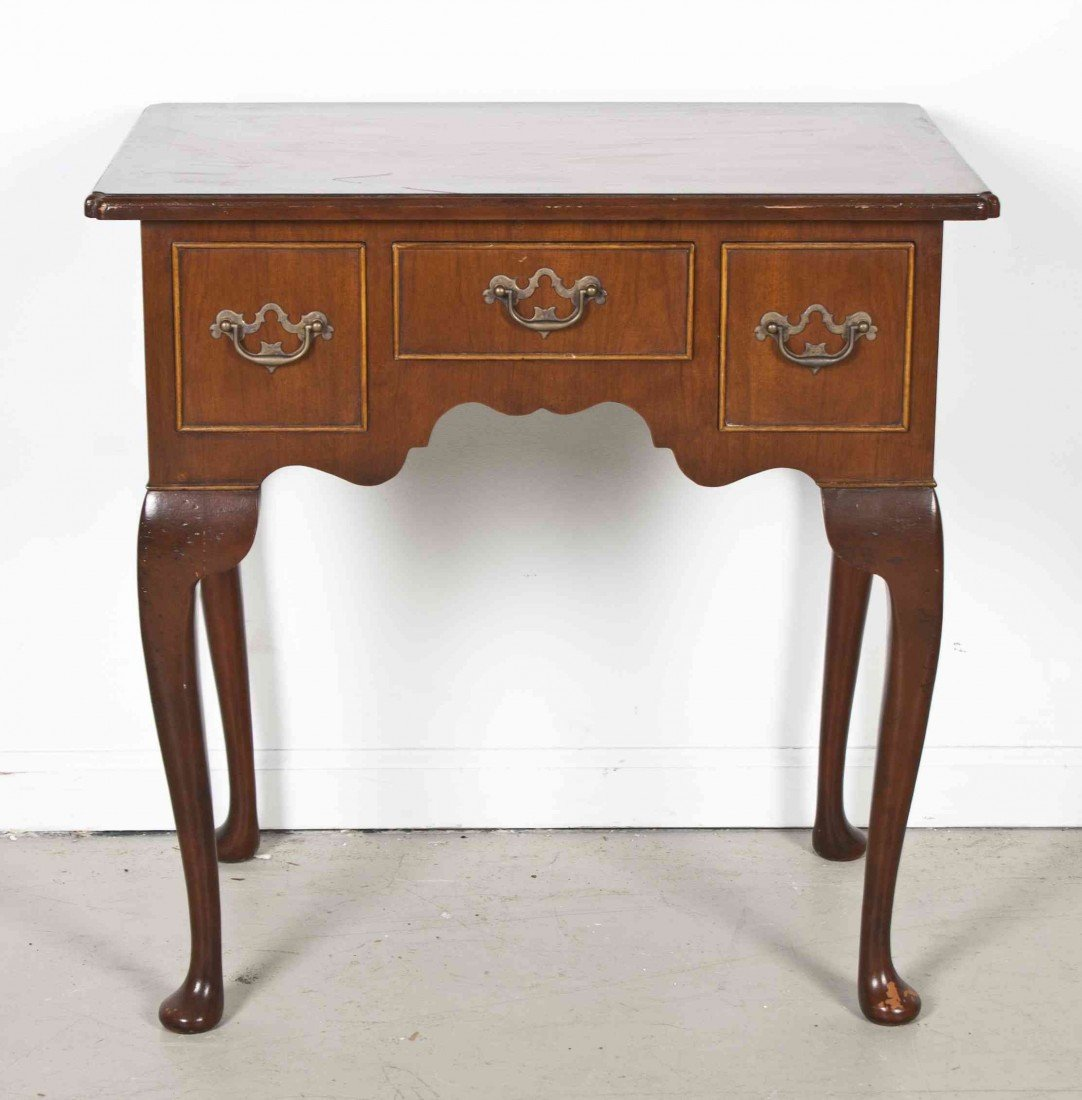 515: A Queen Anne Style Low Side Table, Height 27 x wid