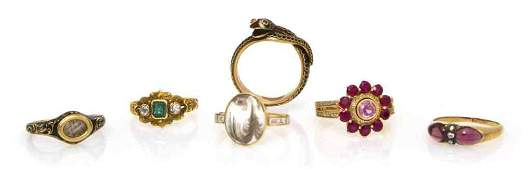 21: A Group of Vintage Yellow Gold Jewelry, 14.80 dwts.