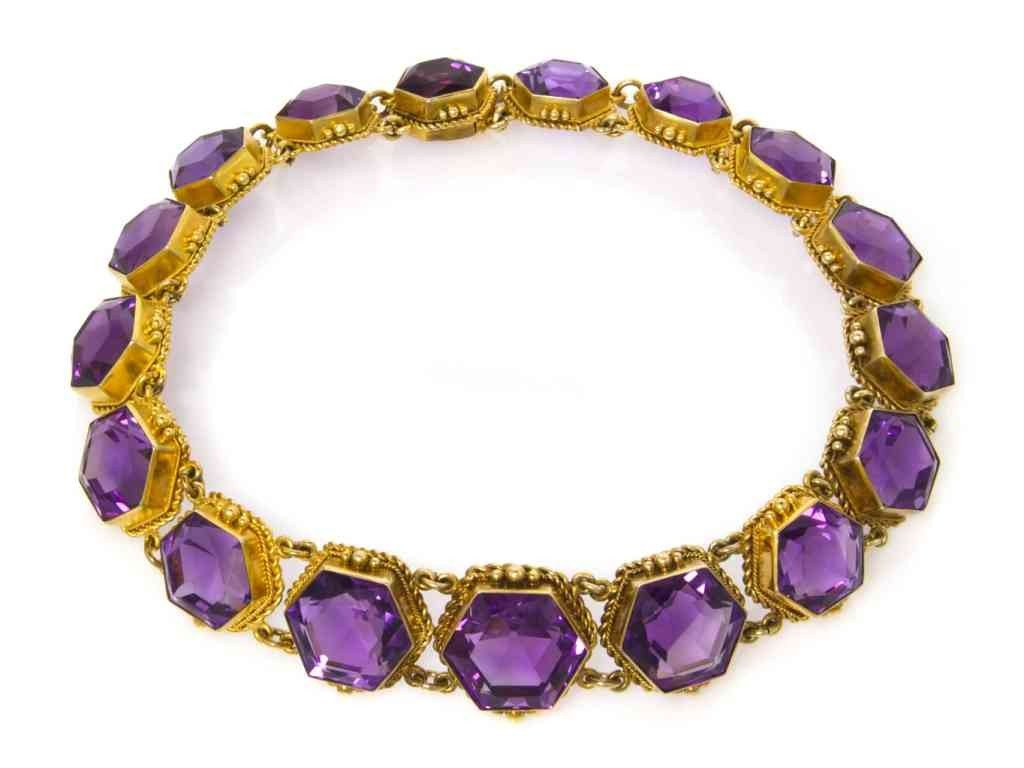 22: A Victorian 18 Karat Yellow Gold and Amethyst Neckl