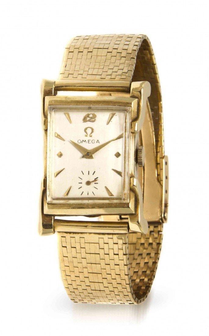 438: A 14 Karat Yellow Gold Mechanical Wristwatch, Omeg