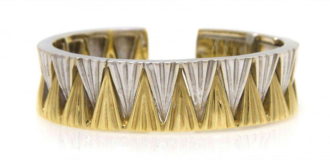 901: An 18 Karat Gold Bangle Bracelet, 44.60 dwts.