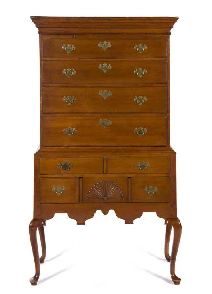600: A Queen Anne Maple Chest on Chest, Height 67 3/4 x