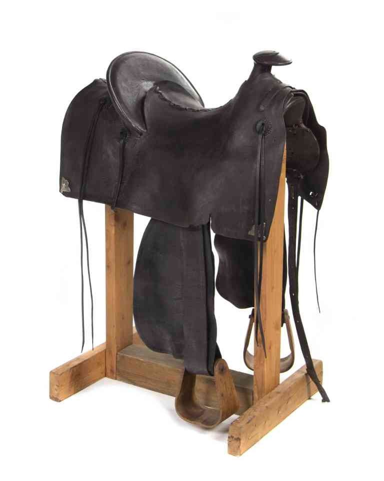 652: An E. L. Gallatin Mother Hubbard Saddle, Size of s