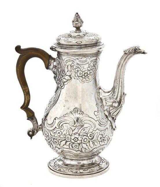 449: An English Silver Coffee Pot, Elizabeth Godfrey, H