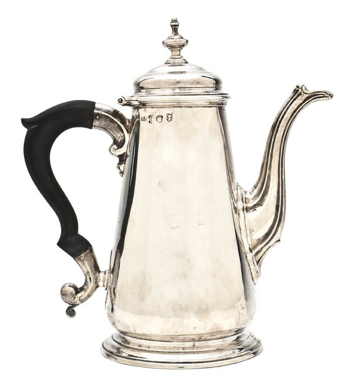 452: An English Silver Chocolate Pot, Height 8 1/8 inch