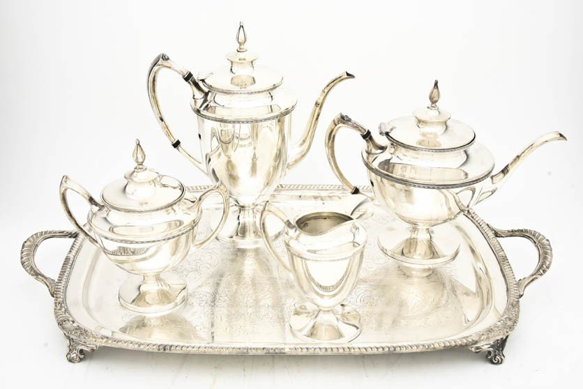 522: An American Silverplate Tea and Coffee Service, De