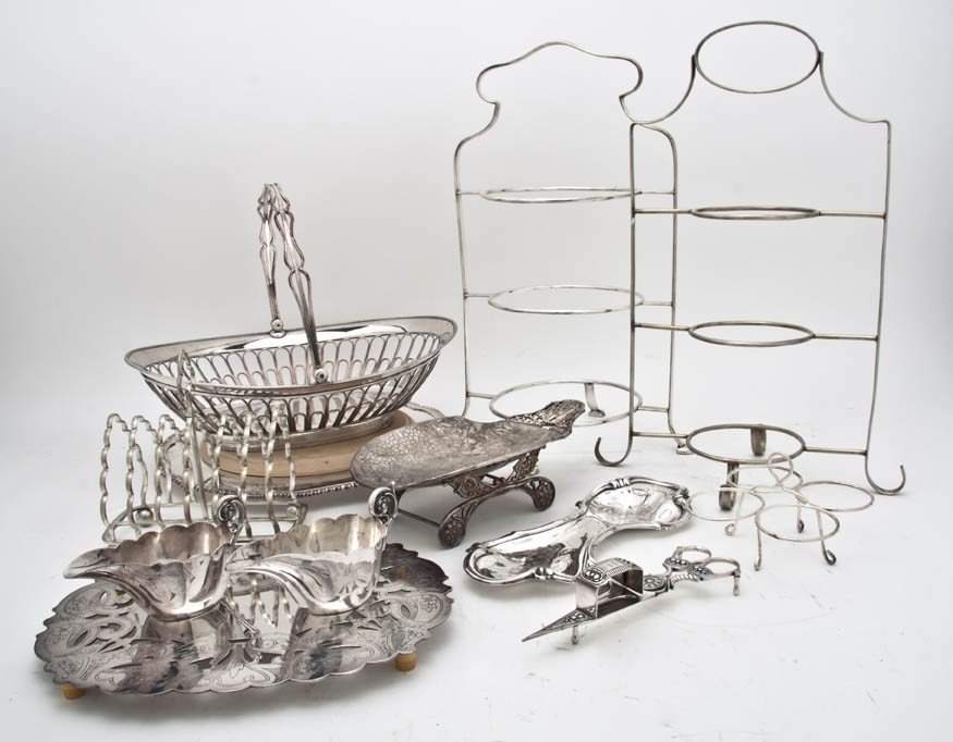 532: A Collection of Silverplate Serving Articles, Heig