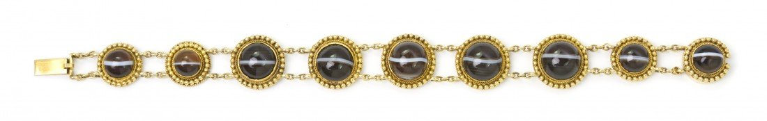7: A Victorian Yellow Gold and Agate Bracelet, 14.10 dw