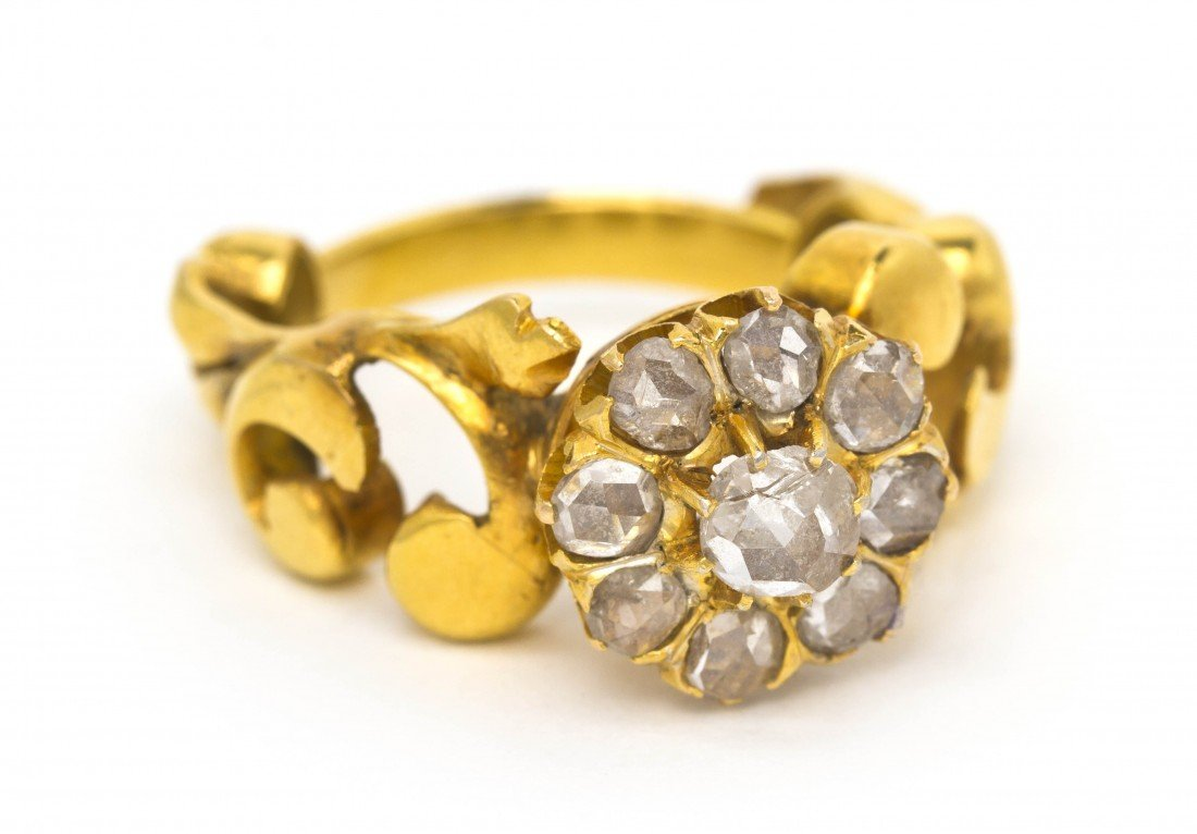 13: An Antique Yellow Gold and Diamond Ring, 4.20 dwts.