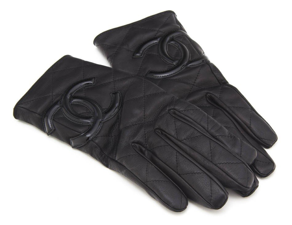 365: A Pair of Chanel Black Quilted Leather Gloves. Siz