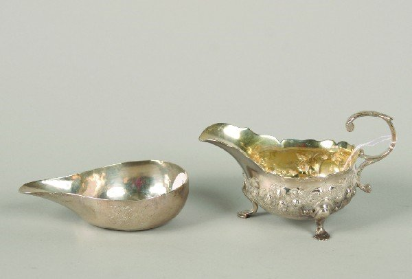 1535: A Georgian Silver Sauce Boat and a Silver Pap Boa