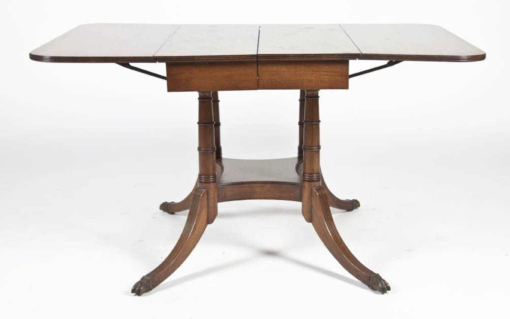 21: A Mahogany Single Pedestal Extension Table, Height