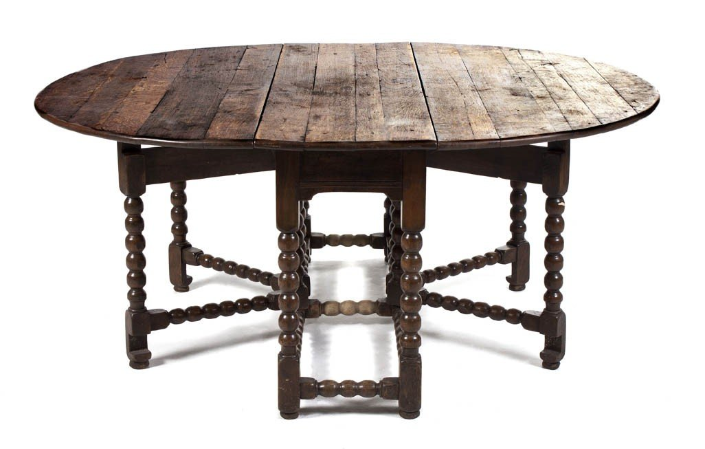 532: An English William and Mary Style Gate-Leg Table,