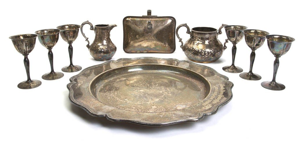 683: A Collection of Silverplate Articles, Diameter of