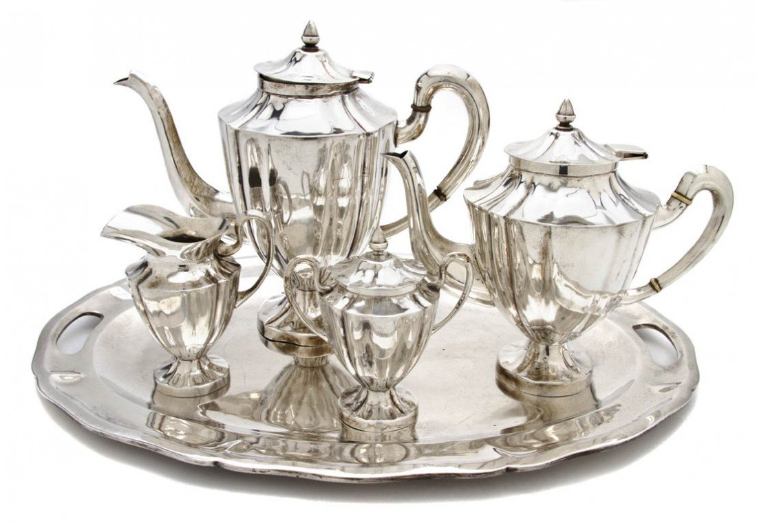 690: A Mexican Sterling Silver Tea and Coffee Service,