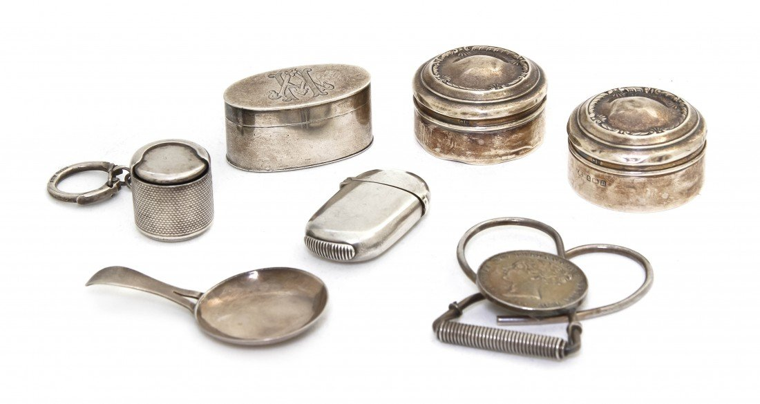 949: A Collection of English Silver Pocket Articles, Wi