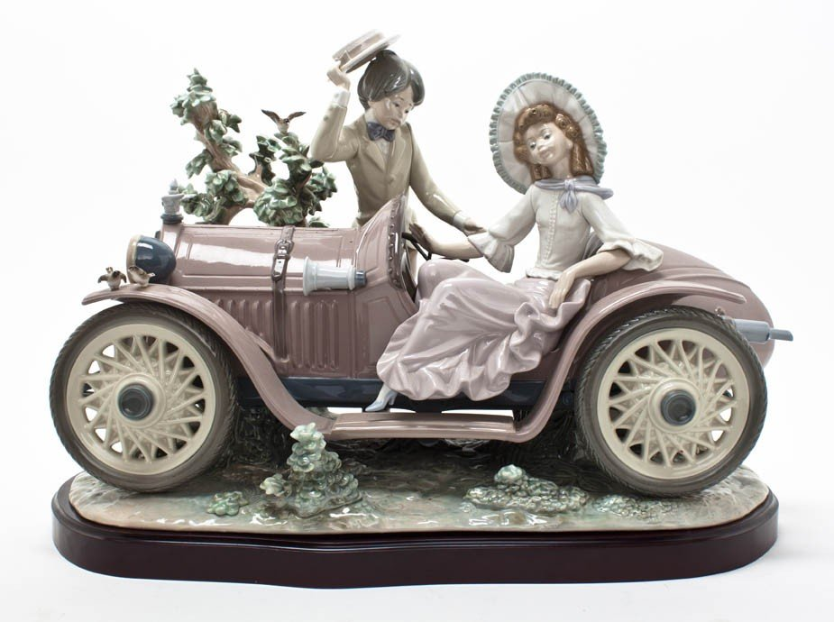 2023: A Lladro Porcelain Figural Group, Height of figur